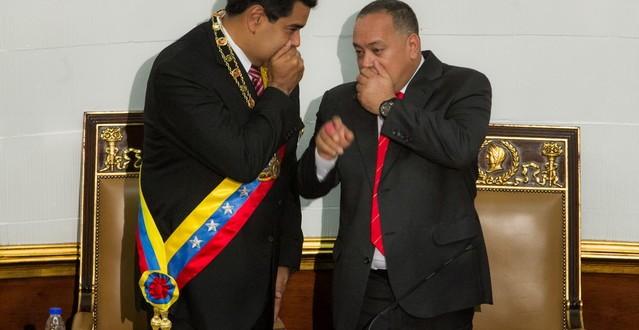 """MADURO ORDENA """"EJERCICIO MILITAR DEFENSIVO"""" PARA QUE NADIE TOQUE A VENEZUELA"""