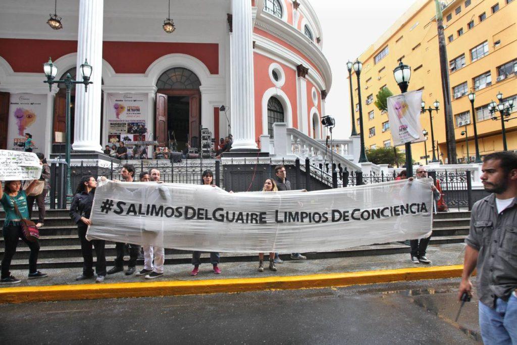 Protesta ante el Festival de Teatro de Caracas