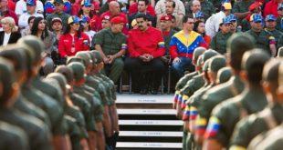 Militares y chavistas