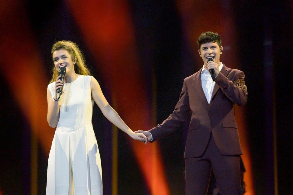 GRAF8874. LISBOA, 04/05/2018.- Fotografía facilitada por RTVE, del primer ensayo de los representantes españoles en Eurovisión, Amaia y Alfred, hoy en el Altice Arena de Lisboa. EFE/Raúl Tejedor ***SOLO USO EDITORIAL***