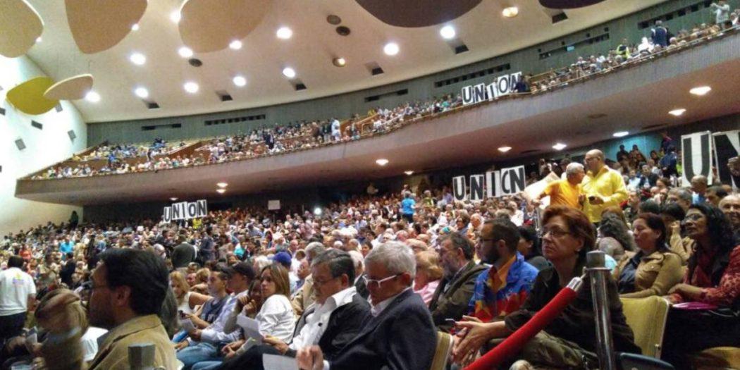 Sociedad organizada Aula Magna UCV