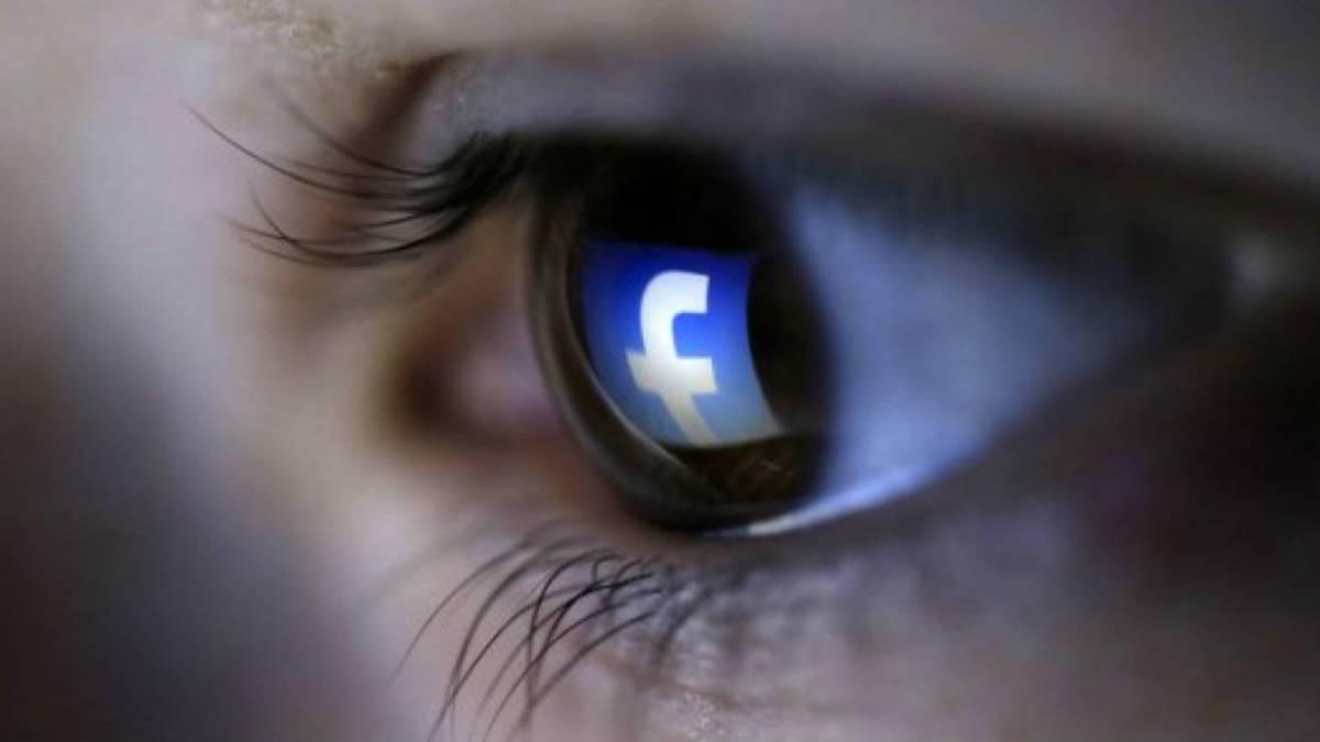 Ojos y Facebook